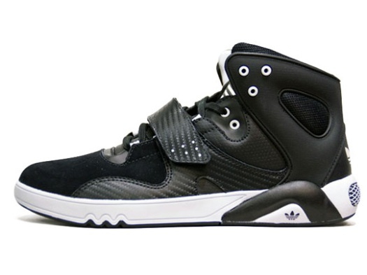 ADIDAS ROUNDHOUSE MID Fall 2010